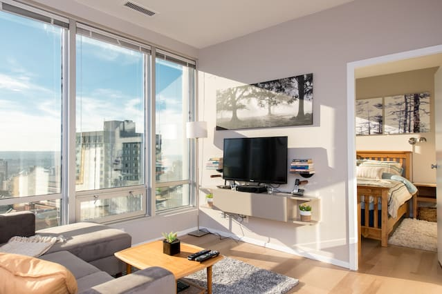 Airbnbs in Vancouver!-Sights in the Sun Life & Style Blog